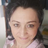 Anne-Cécile CHAVOIS-RIBLIER – CONSULTANTE EDITORIALE – DIX DOIGTS DANS LA PRISE